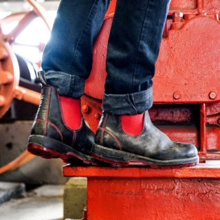 Men's Style 1316 pu-tpu-red-elastic-sided-v-cut_1316_M by Blundstone