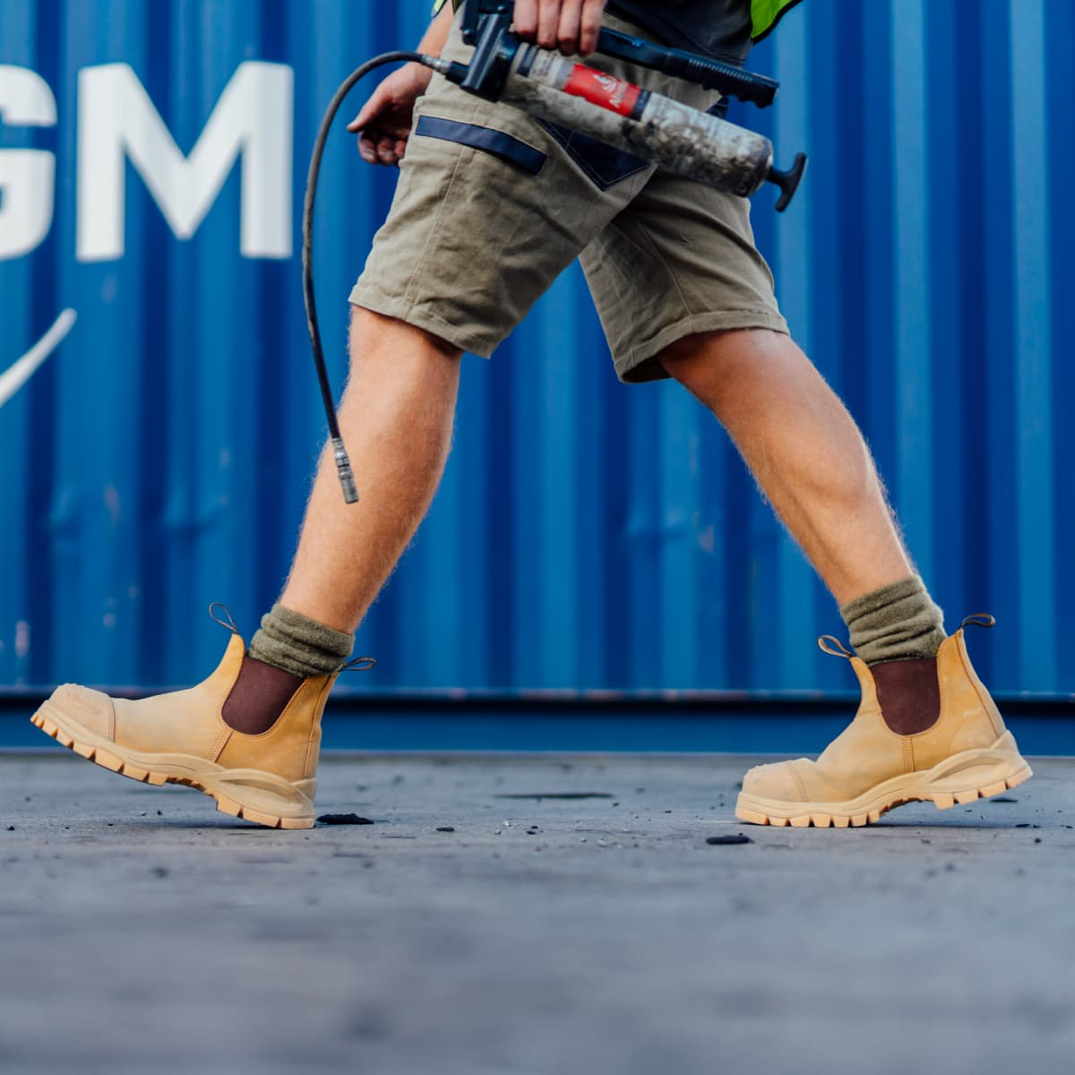 Blundstone 989 work boot on a construction site